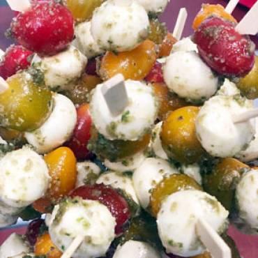 Tomate-Mozzarella-Spieße